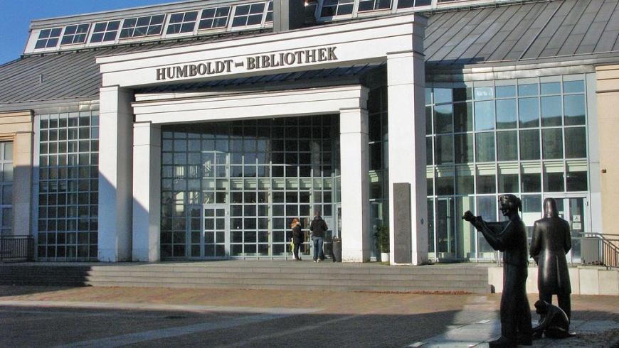 Humboldt-Bibliothek