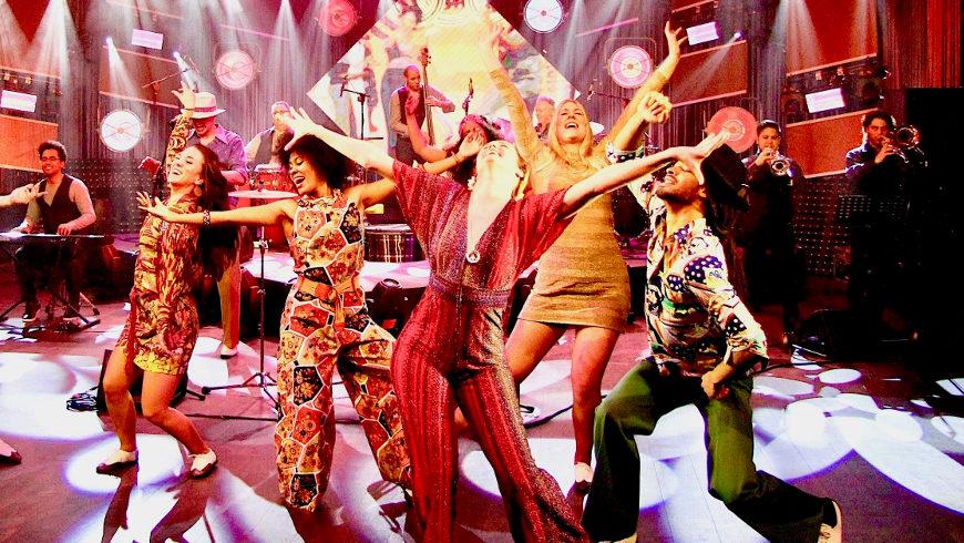 Die Seele von New Yorks spanischem Harlem - Eine heiße Show mit Latin-Musik und Tanz