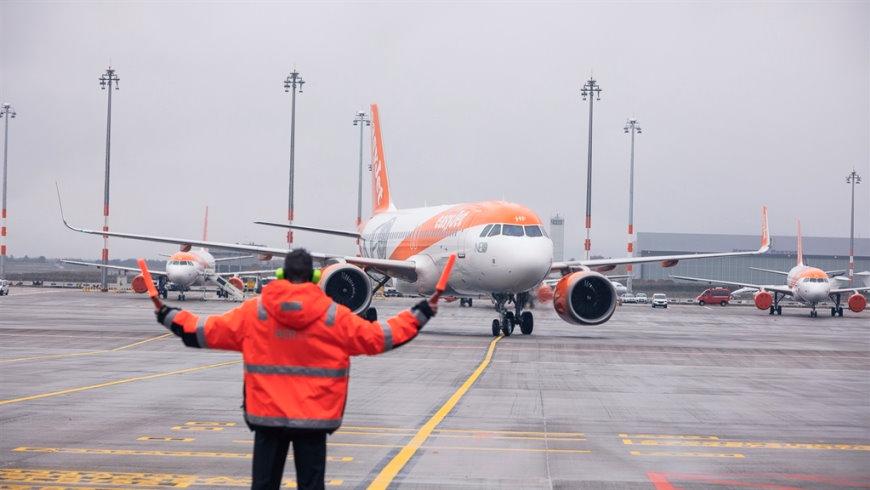 easyJet Airbus 320neo