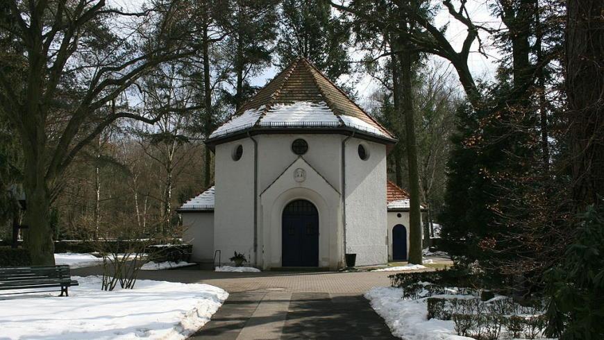 Feierhalle des Friedhofs Heiligensee