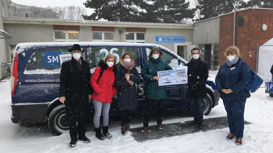 Spendenübergabe für den Kältebus