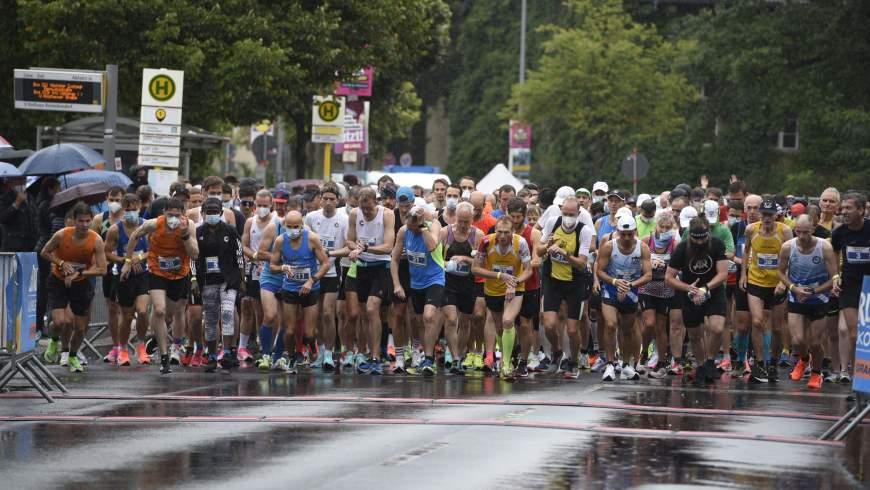 Start des Halbmarathon Berlin-Reinickendorf am 29.8.2021 - Foto: © Andras Schwarz